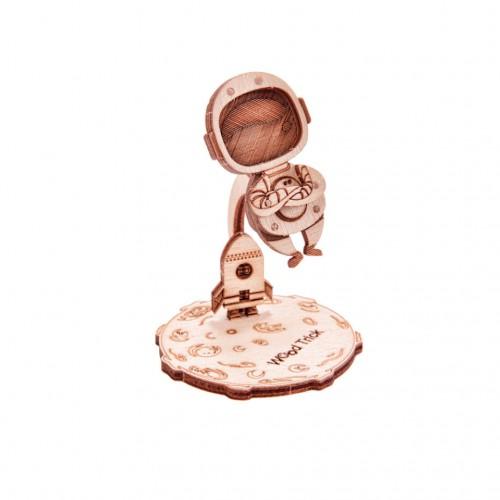 "Souvenir and collectible model Woodik ""Astronaut"""